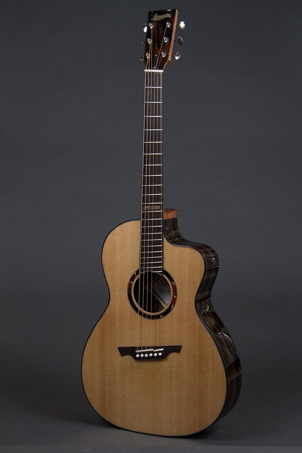 Matinheikki Instruments - Modern acoustic guitar   front2